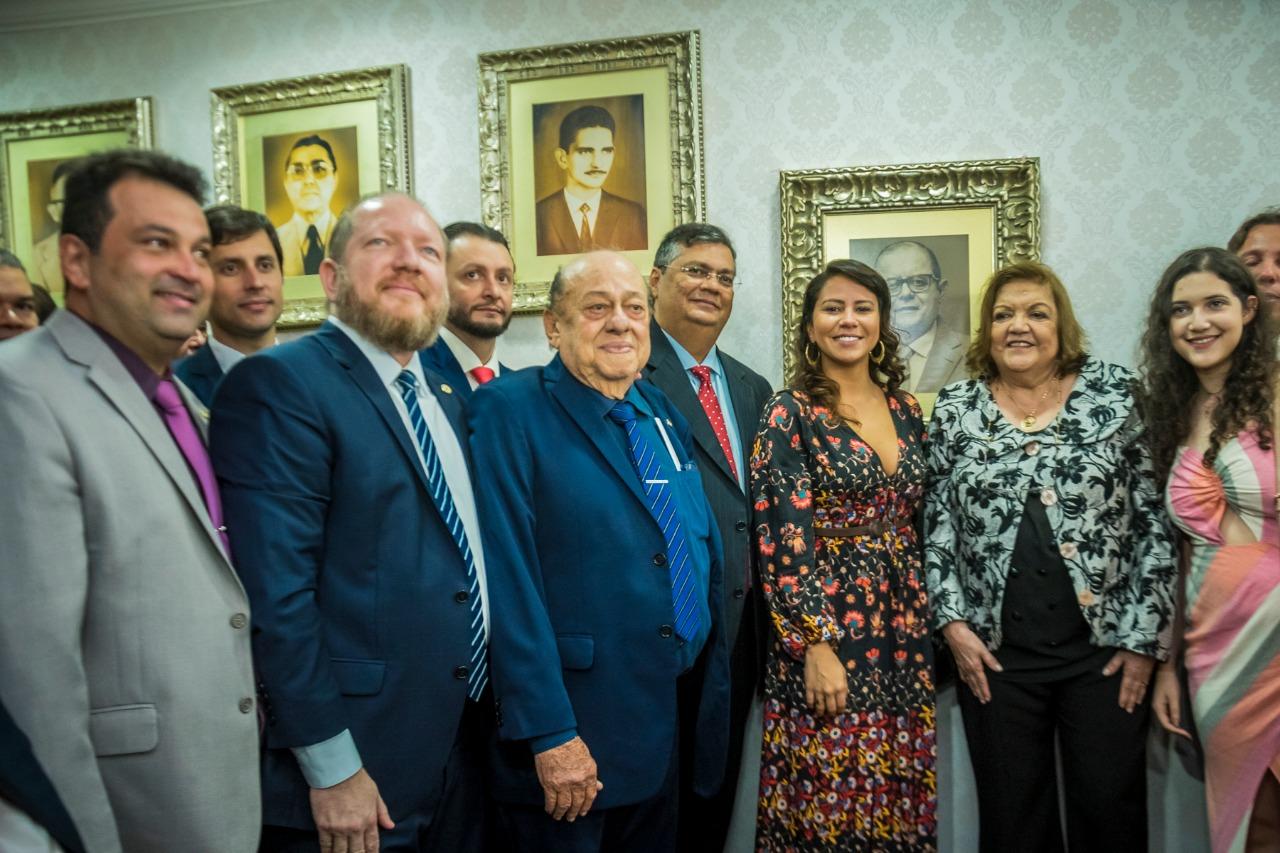 Concorrida cerimônia marca inserção da foto de Humberto Coutinho na Galeria de Ex-Presidentes