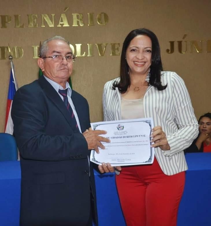 """Francisca Primo recebe o título de """"Cidadã de Buriticupu"""""""