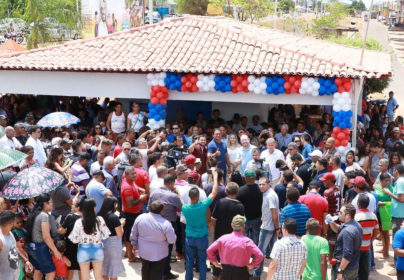 Inauguração do terminal de embarque de passageiros da zona rural contou com grande número de populares