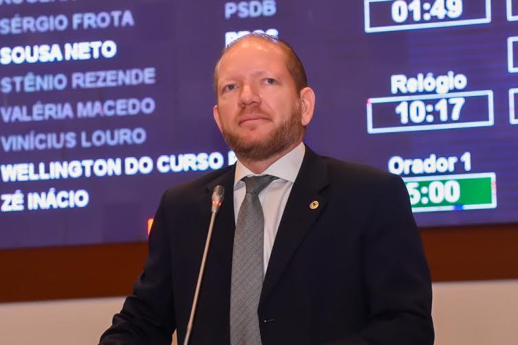 Presidente em exercício, deputado Othelino Neto, lamenta falecimento do deputado João Castelo