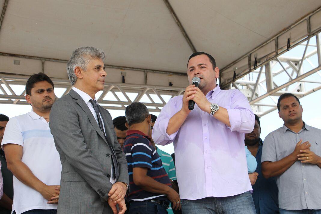 Deputado Vinícius Louro prestigia aniversário de 56 anos de Lima Campos