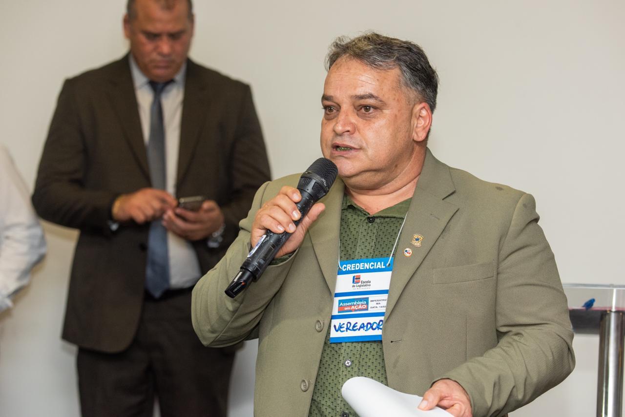 O evento contou com a presença de vereadores da região, que tiveram a oportunidade de fazer perguntas aos deputados