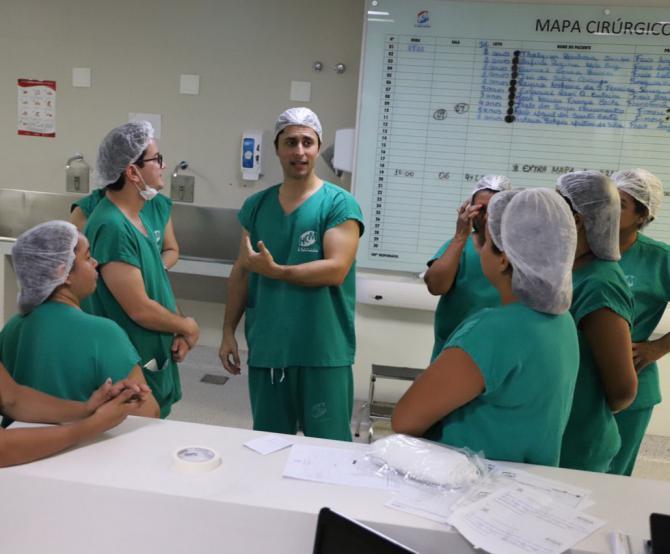 Duarte Jr cobra esclarecimentos sobre aumento de jornada de trabalho de enfermeiros