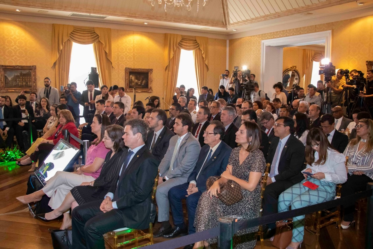 Diversos parlamentares maranhenses participaram do Fórum de Governadores da Amazônia Legal, no Palácio dos Leões