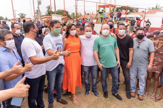 """""""Concretização de um sonho antigo da população"""", destaca Othelino durante entrega de nova praça em Pinheiro"""