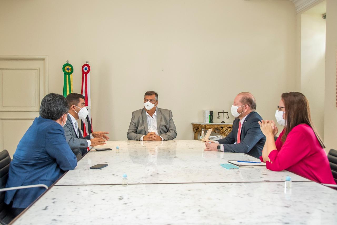 Othelino, Flávio Dino, Márcio Jerry, Joslene Rodrigues e o prefeito Adelbarto Santos alinham ações para São Francisco do Maranhão