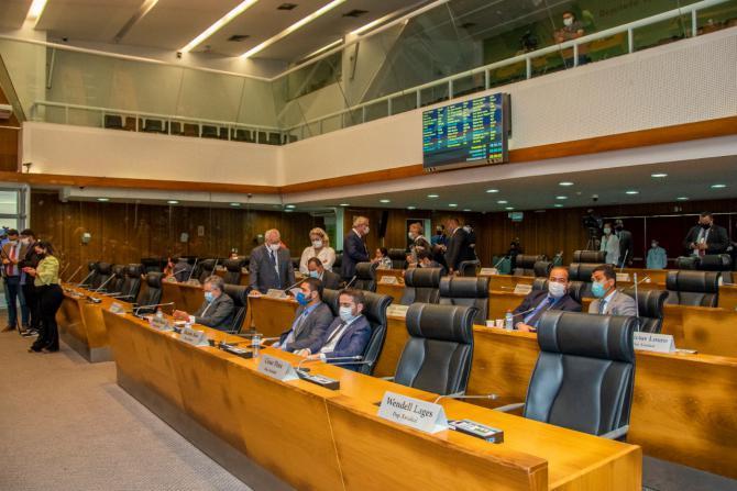 Assembleia retoma trabalhos legislativos com aprovação de projetos e requerimentos