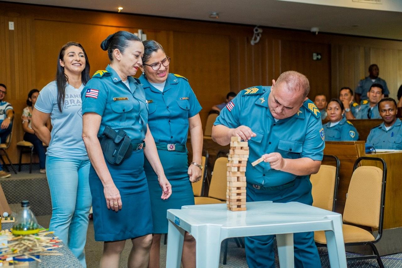 """Servidores militares da Alema exercitam a mente durante dinâmica promovida no encerramento do """"Janeiro Branco"""""""