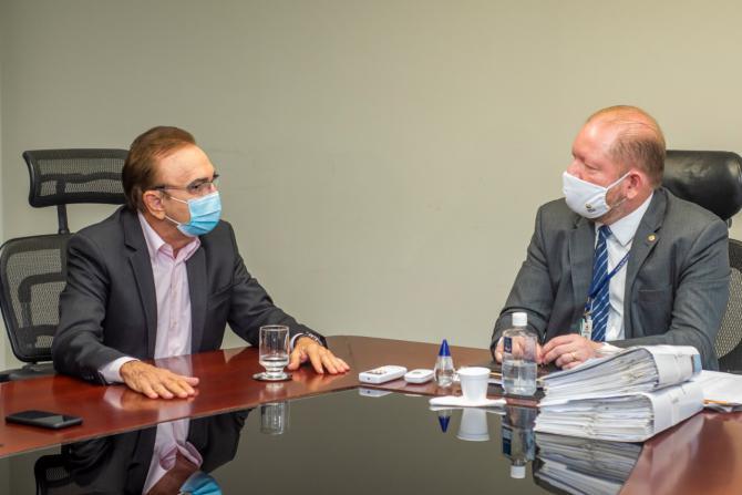 Othelino recebe visita do presidente do TCE Nonato Lago