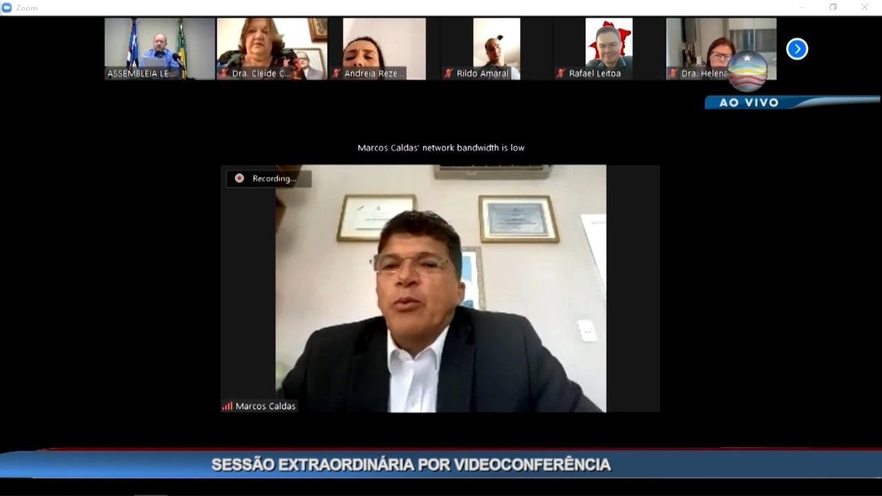 Marcos Caldas toma posse na Assembleia com licença de Pastor Cavalcante