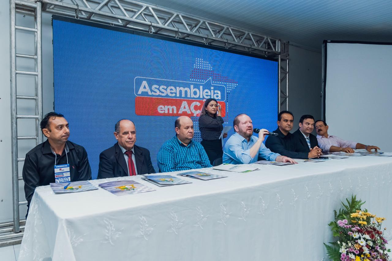 Othelino Neto abre a terceira edição do Assembleia em Ação, no município de Trizidela do Vale