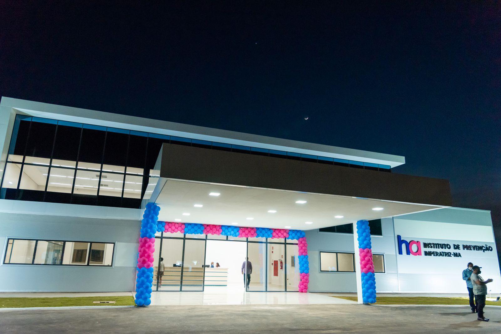 Fachada do Hospital de Amor de Imperatriz, inaugurado nesta sexta-feira (8) e cujos atendimentos devem começar em 60 dias
