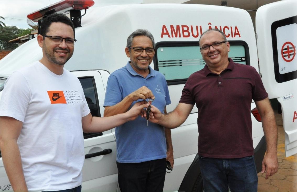 Deputado Ciro Neto participa de entrega de ambulância ao município de Presidente Dutra