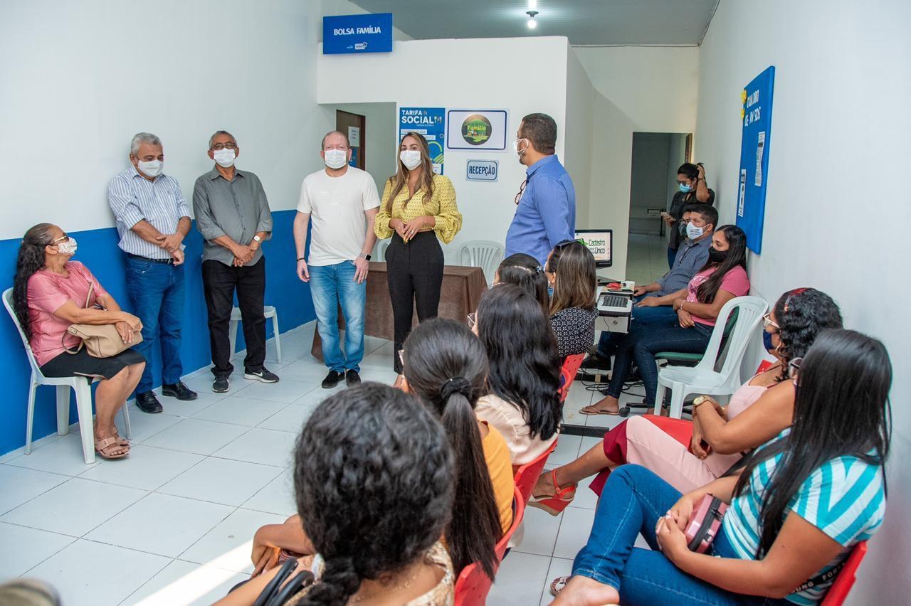 Othelino Neto e Ana Paula visitam a Casa da Cidadania acompanhados pelo prefeito de Barreirinhas Dr. Amílcar Rocha