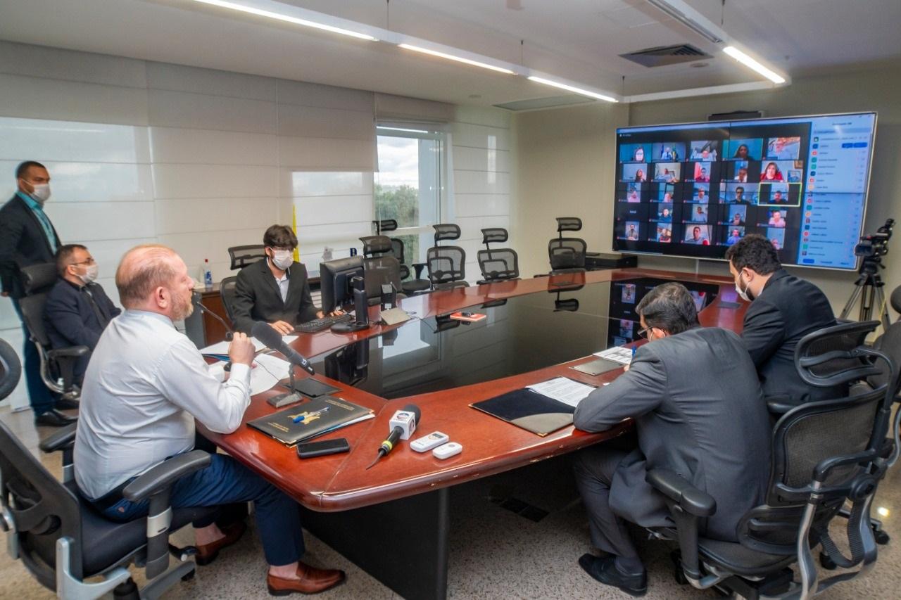 A primeira Sessão Extraordinária remota por videoconferência foi conduzida pelo deputado Othelino, da sala da Presidência