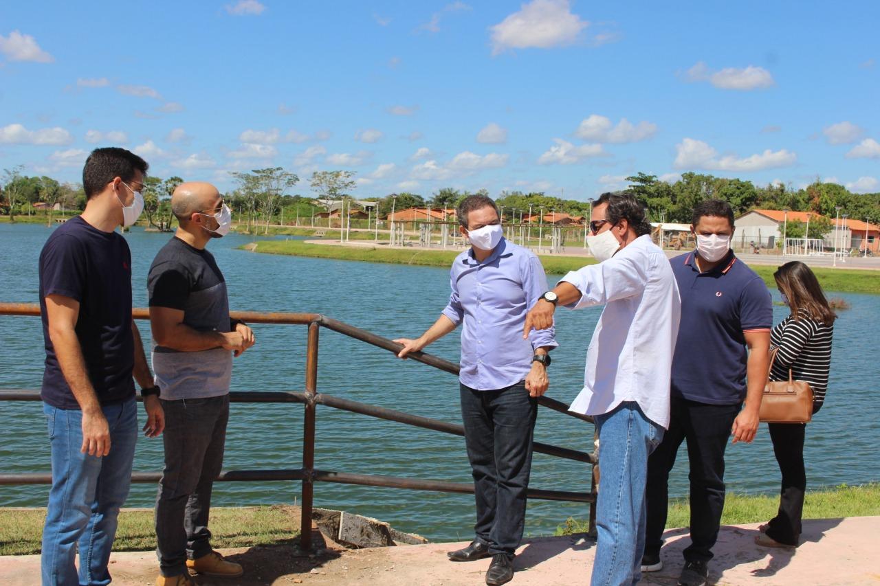 Rafael Leitoa acompanha visita às obras do Parque Ambiental Sucupira