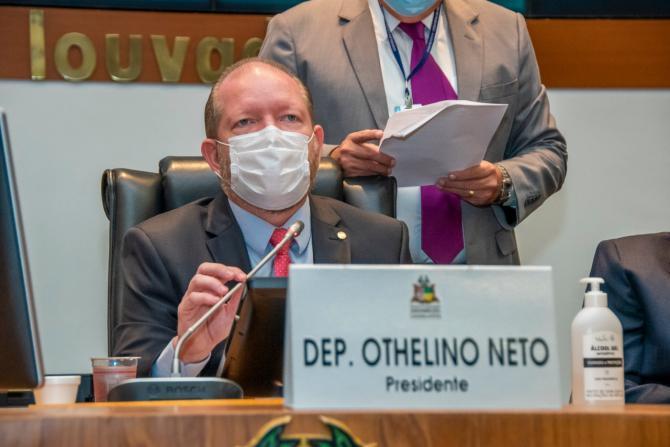 Othelino promulga leis sobre prorrogação e isenção de pagamento do ICMS