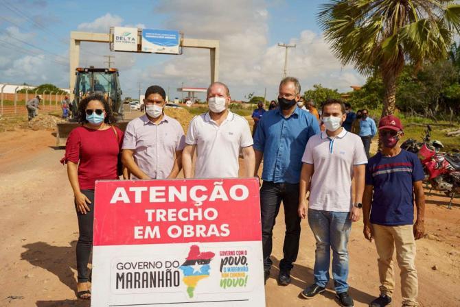 Othelino vistoria obras em Paulino Neves e anuncia nova etapa do Mais Asfalto no município