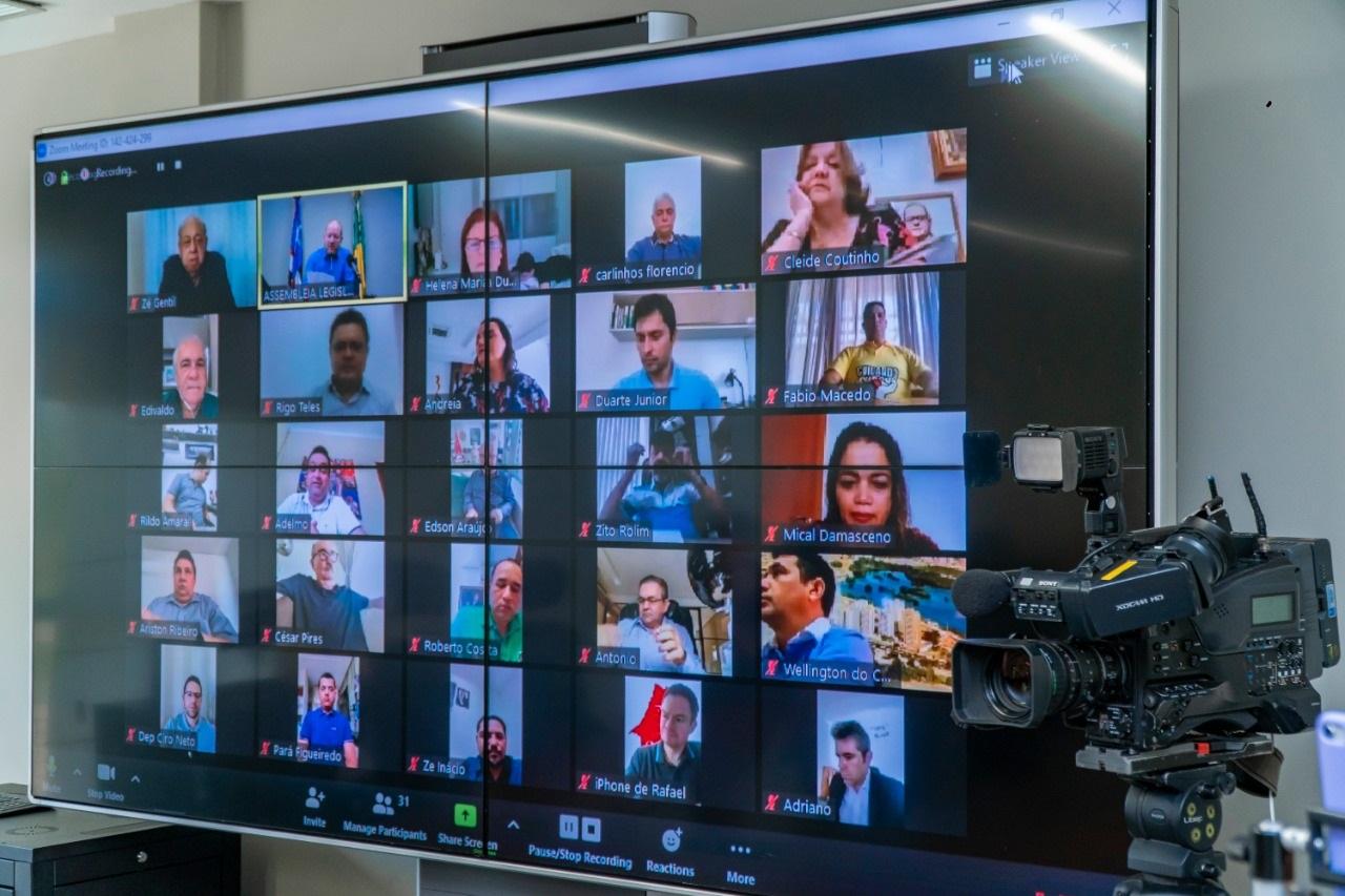 36 dos 42 parlamentares maranhenses participaram da sessão de forma online, por videoconferência