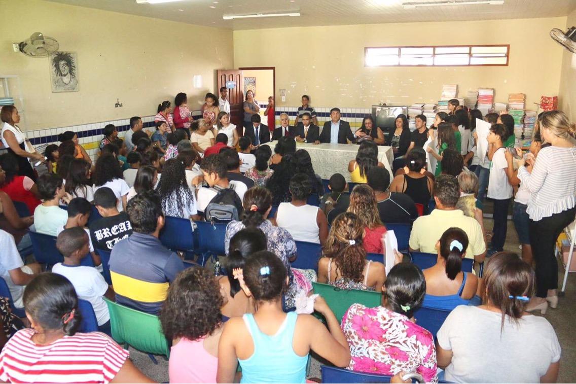 """""""Para onde foram os recursos da educação?"""", questiona Wellington sobre a UEB Jackson Lago"""