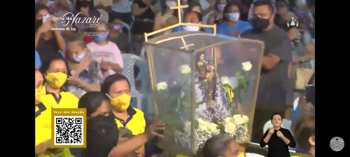 Detalhe da imagem de Nossa Senhora de Nazaré, captada pela TV Assembleia, que está transmitindo a programação do Círio de Nazaré do Cohatrac
