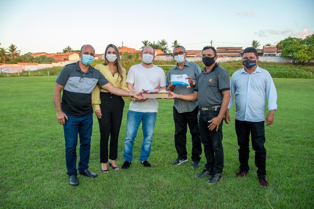 Othelino e Ana Paula visitam o Estádio Municipal de Barreirinhas e anunciam a revitalização do Complexo Esportivo