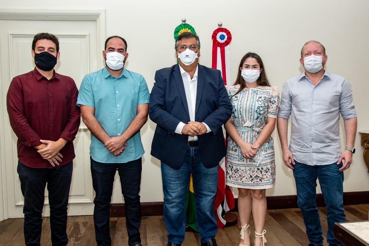 Othelino Neto, governador Flávio Dino e o prefeito de Turilândia, Paulo Curió, após reunião realizada no Palácio dos Leões