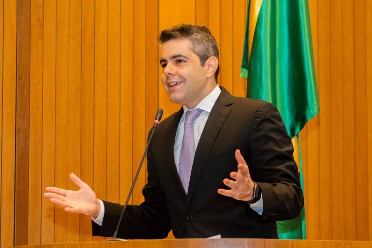 Quatro projetos de lei do deputado Adriano são aprovados em sessão plenária