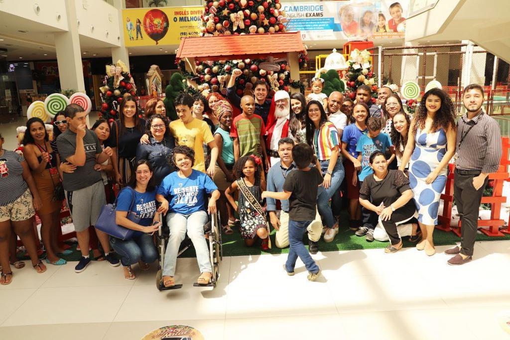 Parceria entre Duarte Jr e Golden Shopping garantiu um Natal especial para crianças autistas