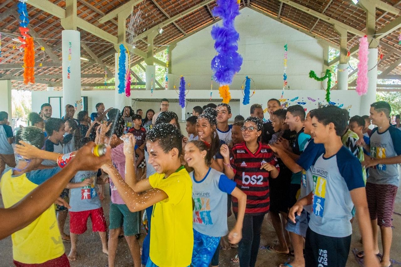 Não faltou animação no Bailinho de Carnaval do Programa Sol Nascente, marcando o início das atividades do ano