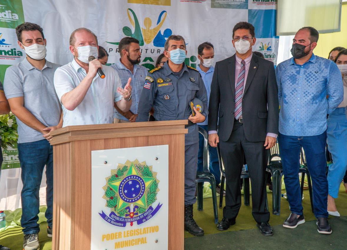 Em Turilândia, Othelino participou da inauguração do Posto do Destacamento da Polícia Militar, uma das primeiras demandas apresentadas pelo prefeito da cidade, que pediu o apoio do parlamentar