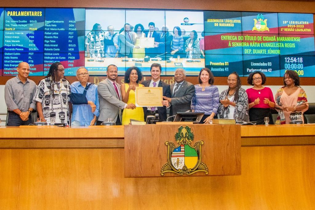 Assembleia reconhece trabalho da professora Kátia Régis no estado e concede título de Cidadã Maranhense à educadora