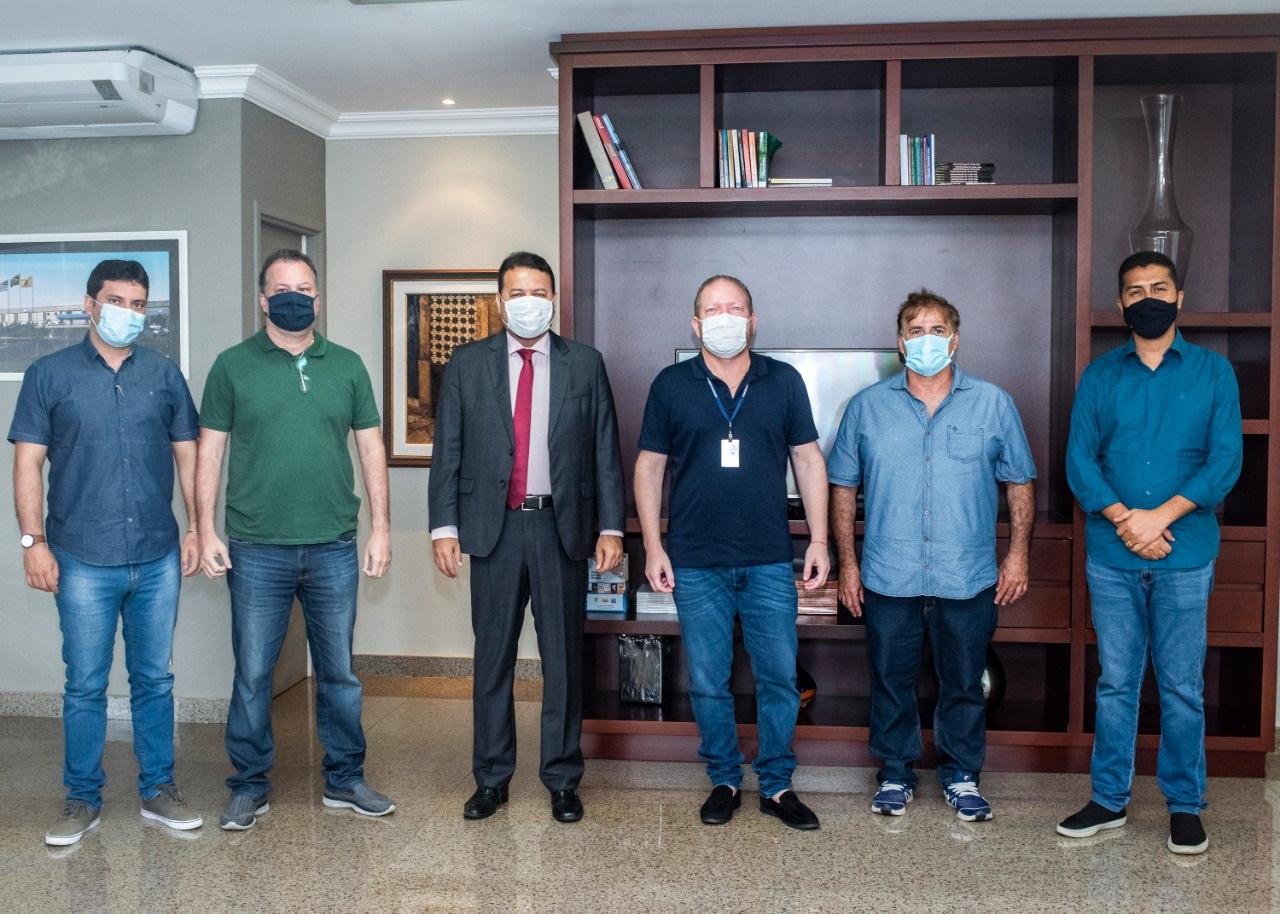 Othelino Neto, Wagnner Ayres, Marco Aurélio, Clayton Noleto, Edwin Jinkings e Alfredo Wagner após reunião na Assembleia