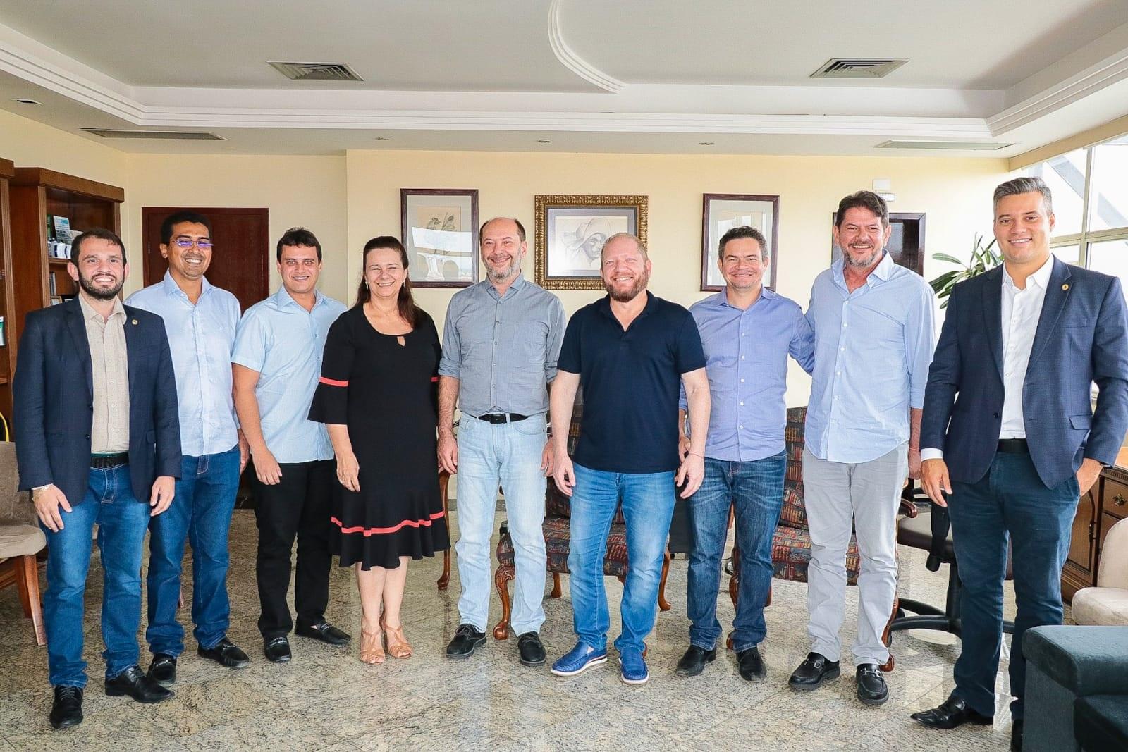 Comitiva de deputados maranhenses conhece politica educacional aplicada em Sobral
