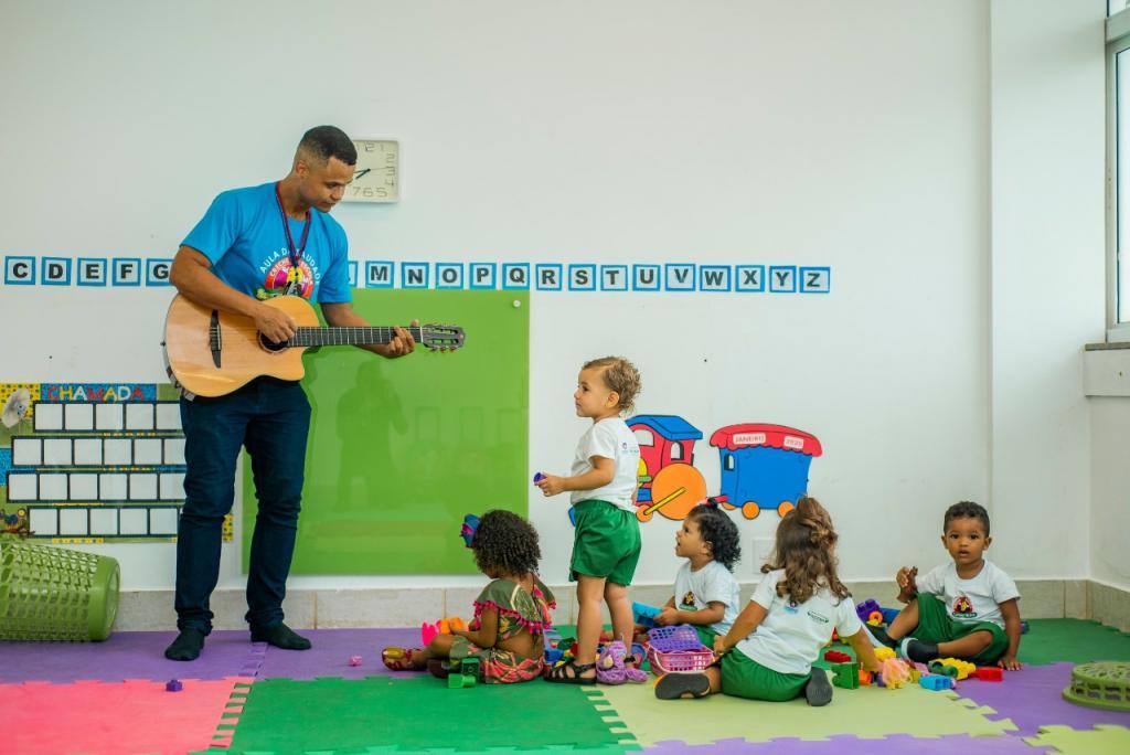 Creche-Escola Sementinha inicia ano letivo no Maternal com atividades de adaptação para novos alunos