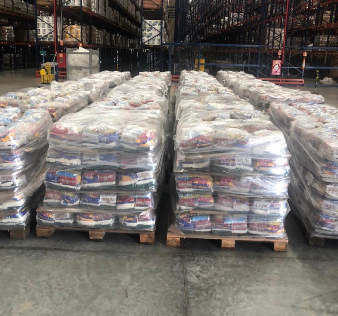 A distribuição das cestas básicas ocorre, preferencialmente, por meio do Cadastro Único para programas sociais do Governo Federal