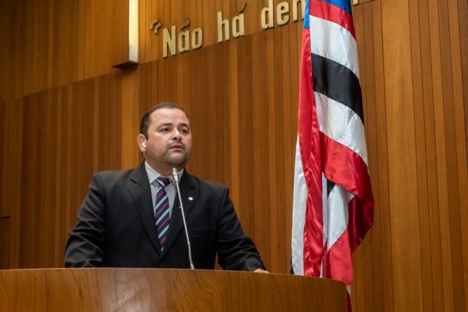 Vinicius Louro apresenta indicações beneficiando São Raimundo do Doca Bezerra e São Roberto