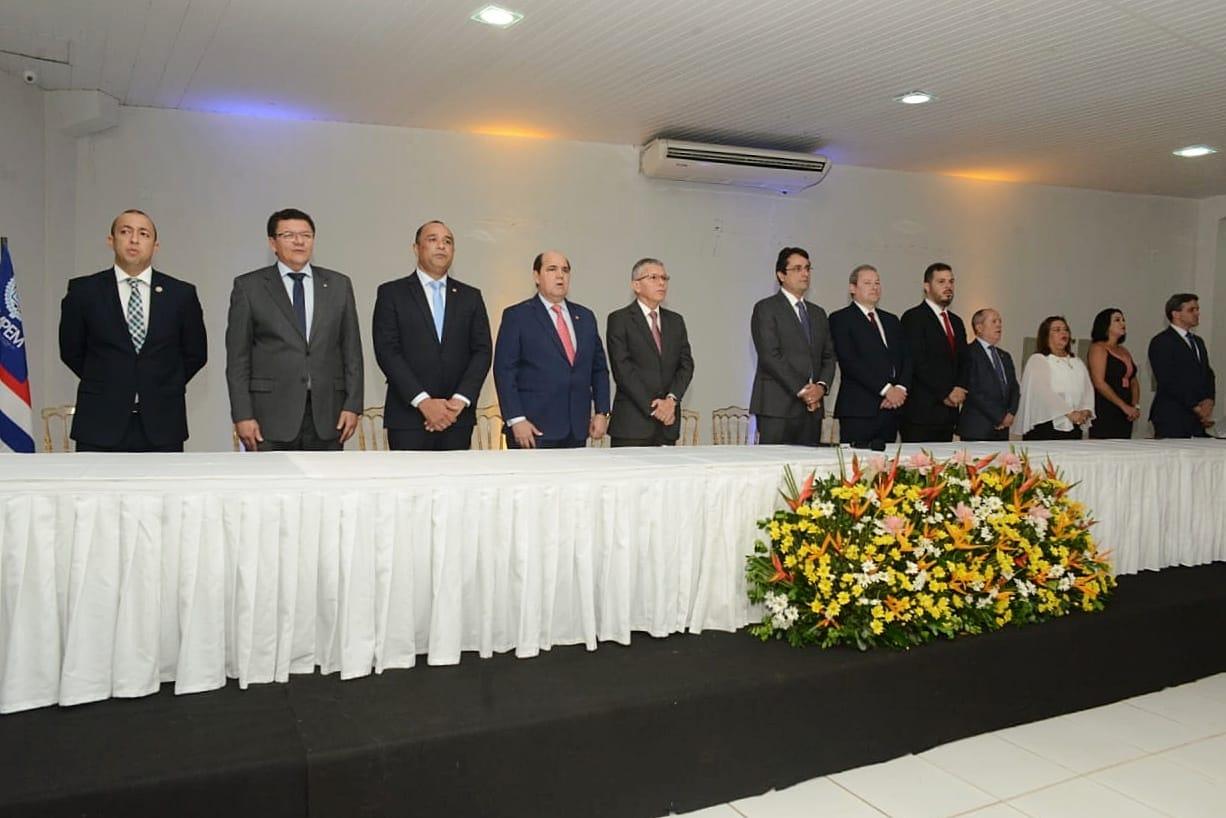 Roberto Costa prestigia solenidade de posse da nova diretoria da Associação do Ministério Público do MA