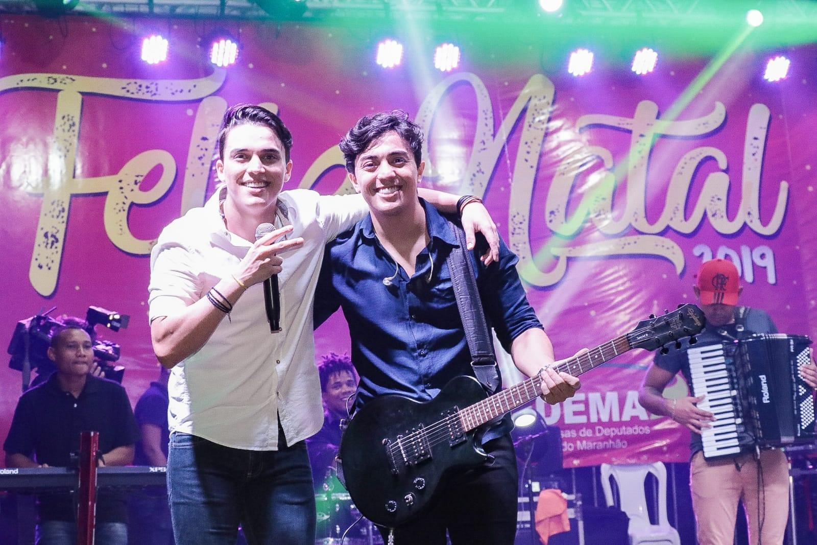 A dupla sertaneja Fernando & Franco apresentou um show dançante durante o evento