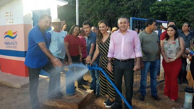 Antônio Pereira, prefeita Joice Marinho e outras lideranças politicas do município participaram da entrega do sistema