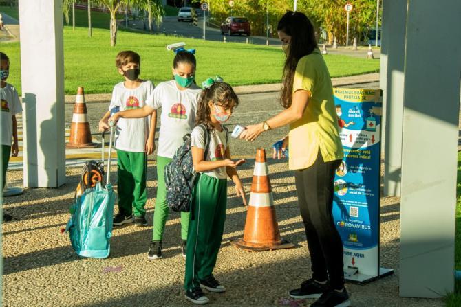 Creche-Escola Sementinha retorna às aulas em sistema híbrido seguindo protocolos sanitários